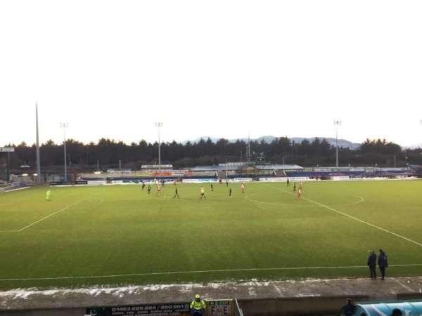Caledonian Stadium, Abschnitt: Upper F, Reihe: P, Platz: 1