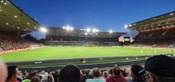 Molineux Stadium, Bereich: JL8, Reihe: L, Platz: 229
