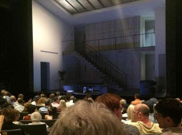 Laura Pels Theatre, Abschnitt: Orch, Reihe: L, Platz: 2