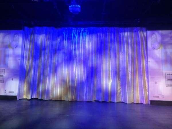 St. Luke's Theater, Abschnitt: Orch, Reihe: A, Platz: 8