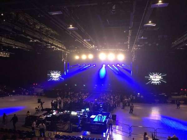 Hard Rock Live at Etess Arena, Abschnitt: 207, Reihe: Q, Platz: 2