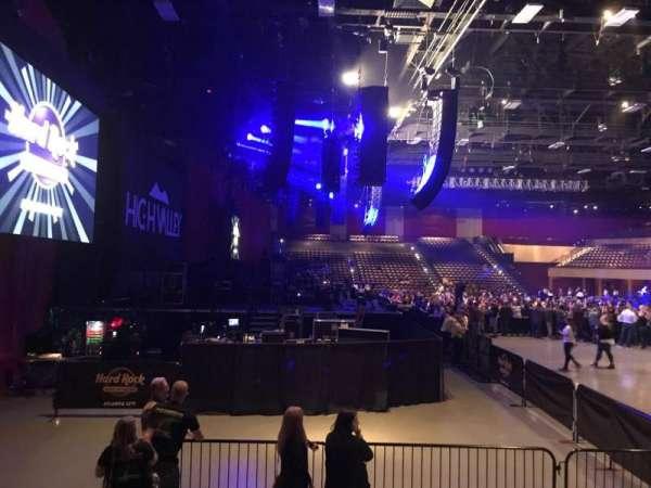Hard Rock Live at Etess Arena, Abschnitt: 214, Reihe: E, Platz: 10