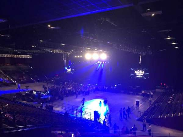 Hard Rock Live at Etess Arena, Abschnitt: 304, Reihe: I, Platz: 31