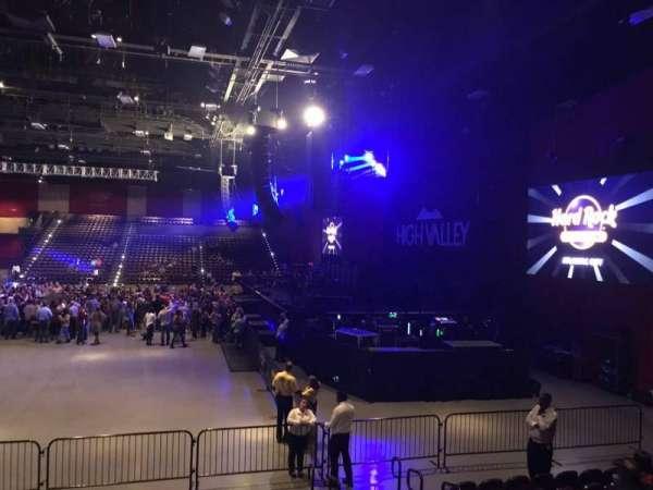 Hard Rock Live at Etess Arena, Abschnitt: 202, Reihe: J, Platz: 5