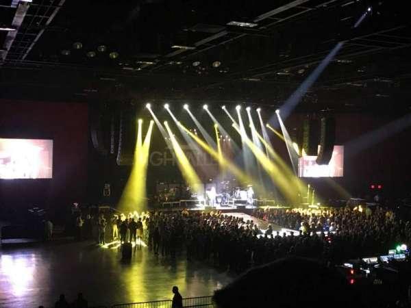 Hard Rock Live at Etess Arena, Abschnitt: 210, Reihe: T, Platz: 6