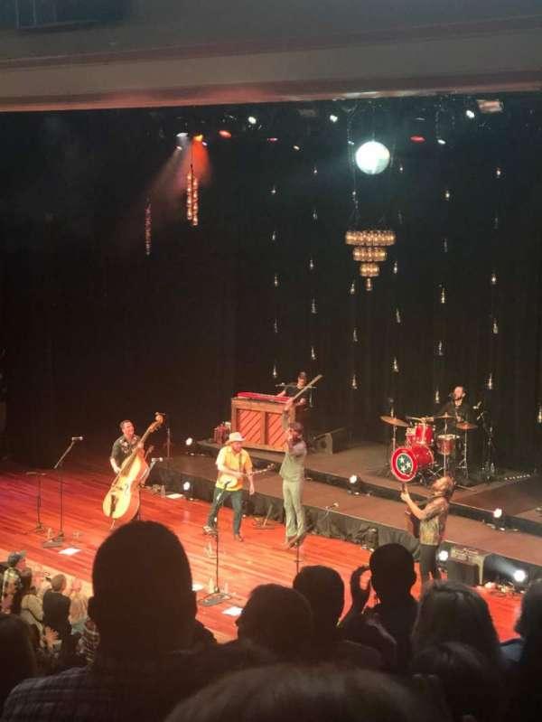 Ryman Auditorium, Abschnitt: 10, Reihe: J
