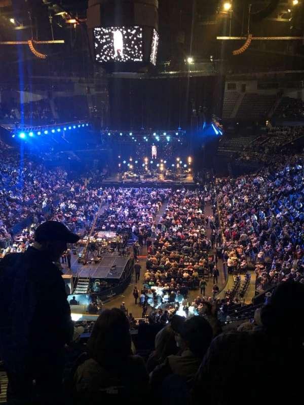 Bridgestone Arena, Abschnitt: 202, Reihe: J, Platz: 14