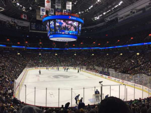 Rogers Arena, Abschnitt: 101, Reihe: 19, Platz: 8