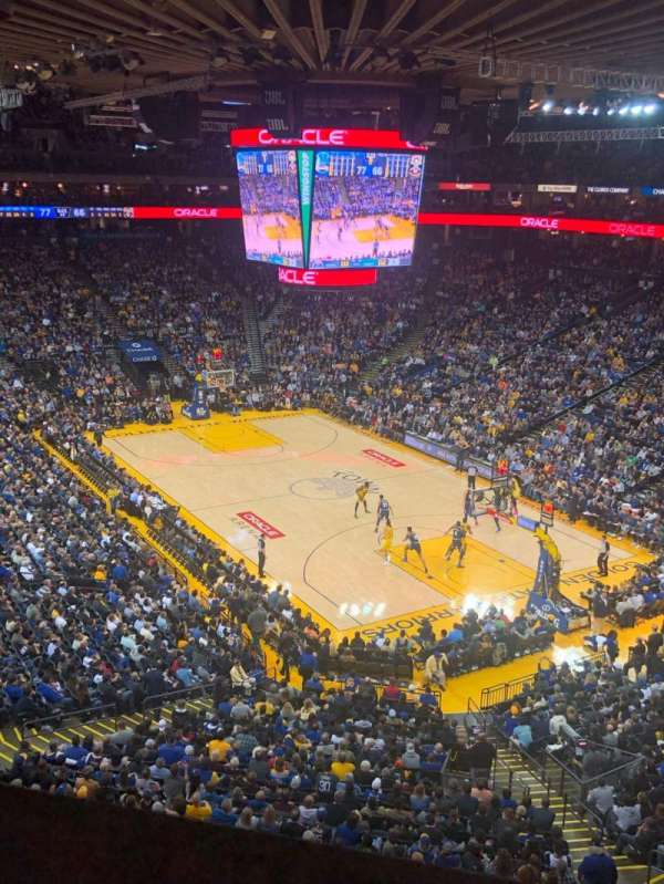 Oakland Arena, Abschnitt: 212, Reihe: 1, Platz: 3