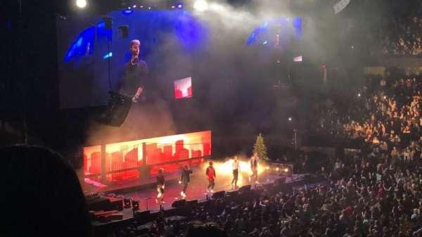 Allstate Arena, Abschnitt: 201, Reihe: E, Platz: 33