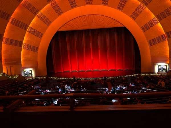 Radio City Music Hall, Abschnitt: 1st Mezzanine 4, Reihe: B, Platz: 403