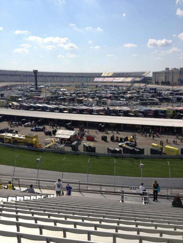 Dover International Speedway, Abschnitt: 217, Reihe: 21, Platz: 12