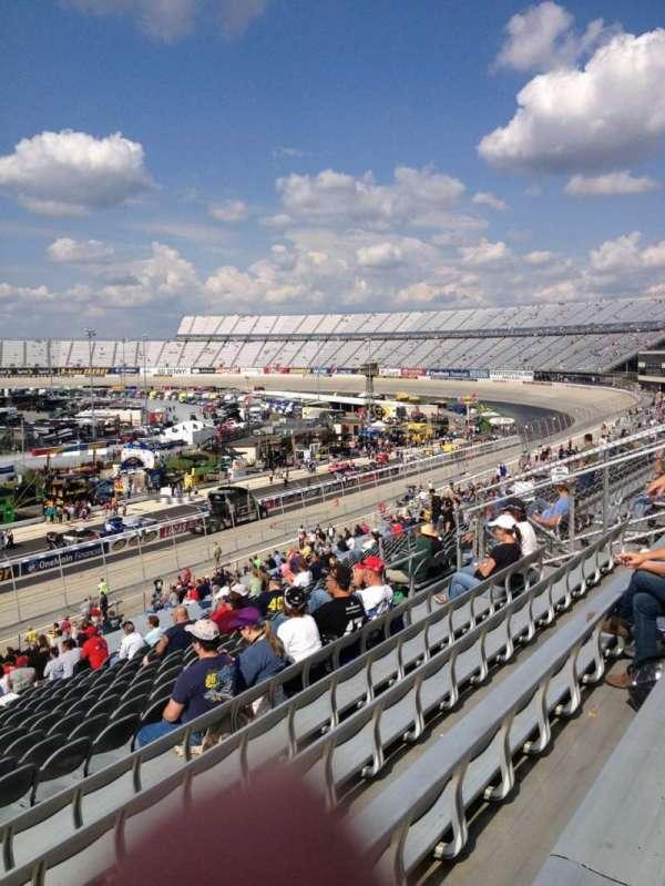 Dover International Speedway, Abschnitt: 251, Reihe: 42, Platz: 21