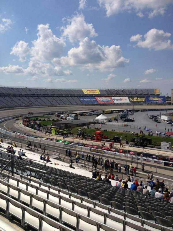 Dover International Speedway, Abschnitt: 105, Reihe: 43, Platz: 16