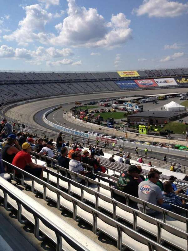 Dover International Speedway, Abschnitt: 108, Reihe: 45, Platz: 8