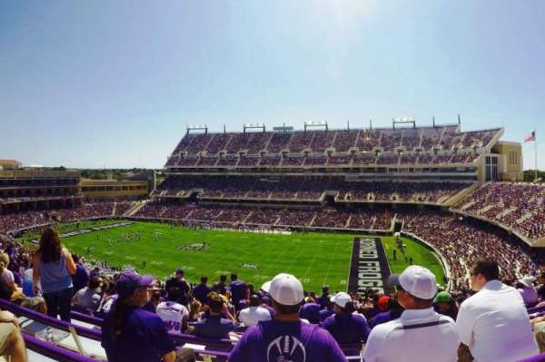 Amon G. Carter Stadium, Abschnitt: 231, Reihe: DD, Platz: 15