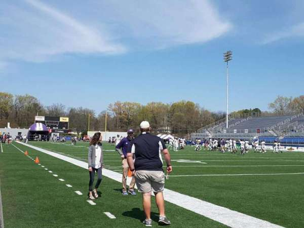 Braly Stadium, Abschnitt: Sideline