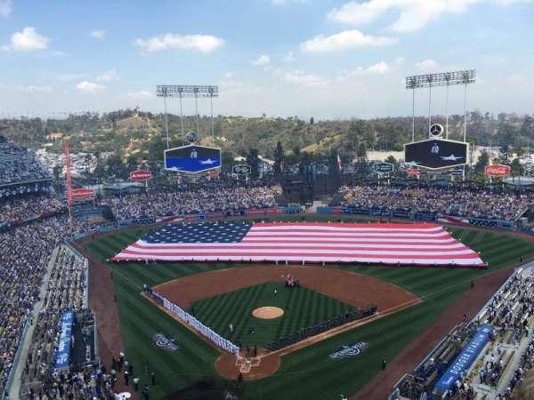 Dodger Stadium, Abschnitt: 2TD, Reihe: B, Platz: 17