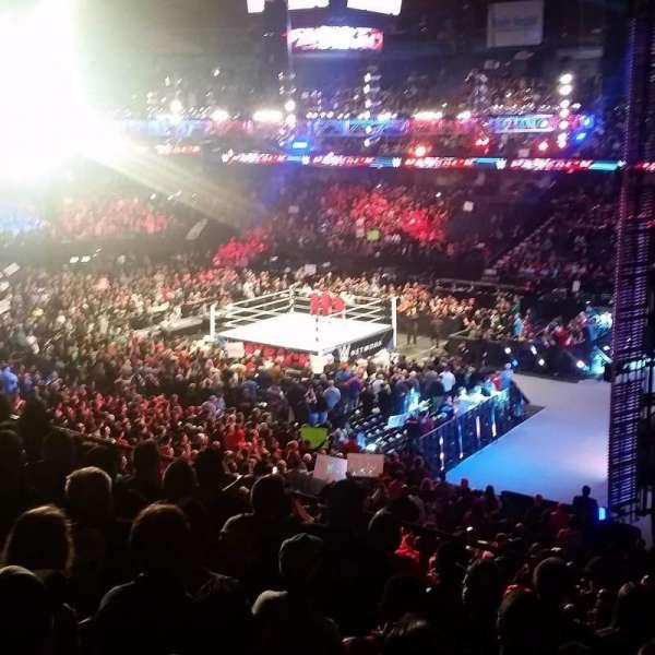 Allstate Arena, Abschnitt: 209, Reihe: G, Platz: 17