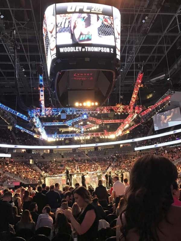 T-Mobile Arena, Abschnitt: 20, Reihe: 5, Platz: 13