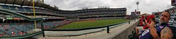 Angel Stadium, Abschnitt: P236, Reihe: A, Platz: 1