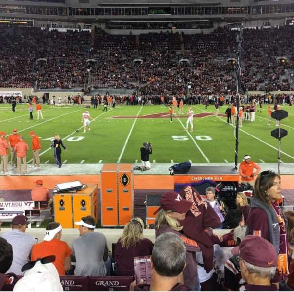 Lane Stadium, Abschnitt: 11, Reihe: H, Platz: 12