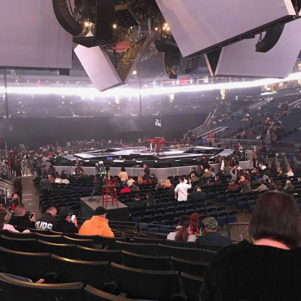 Oracle Arena, Abschnitt: 110, Reihe: 8, Platz: 2