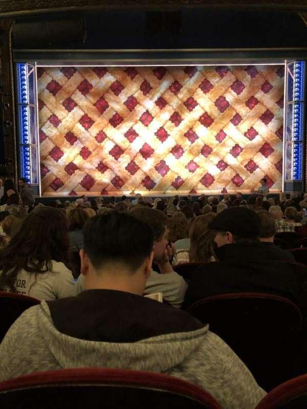 Brooks Atkinson Theatre, Abschnitt: ORCH, Reihe: O, Platz: 106
