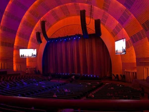 Radio City Music Hall, Abschnitt: 1st Mezzanine 1, Reihe: BB, Platz: 107