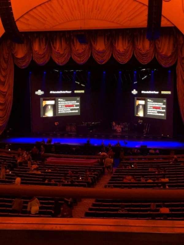 Radio City Music Hall, Abschnitt: 1st Mezzanine 3, Reihe: B, Platz: 305