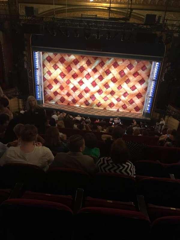 Brooks Atkinson Theatre, Abschnitt: Mezzanine, Reihe: J, Platz: 111