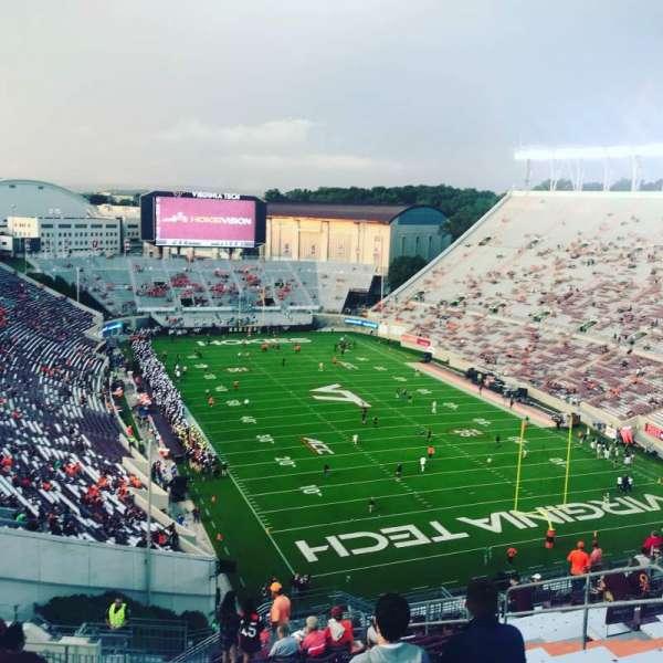 Lane Stadium, Abschnitt: 508, Reihe: S, Platz: 11