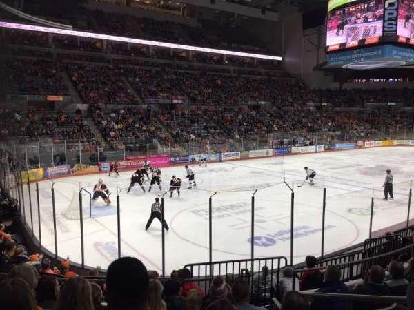 Allen County War Memorial Coliseum, Abschnitt: 206, Reihe: 10, Platz: 3