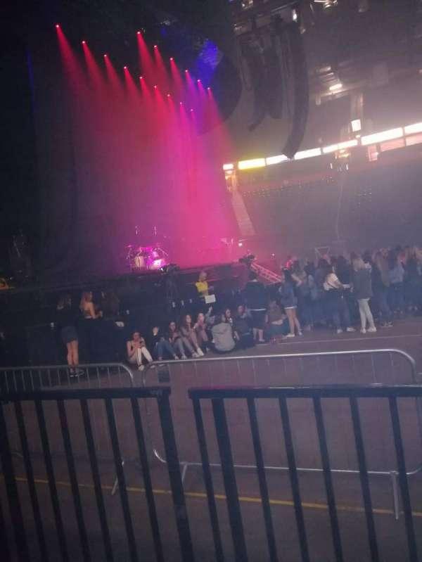 Manchester Arena, Abschnitt: 102, Reihe: B, Platz: 8