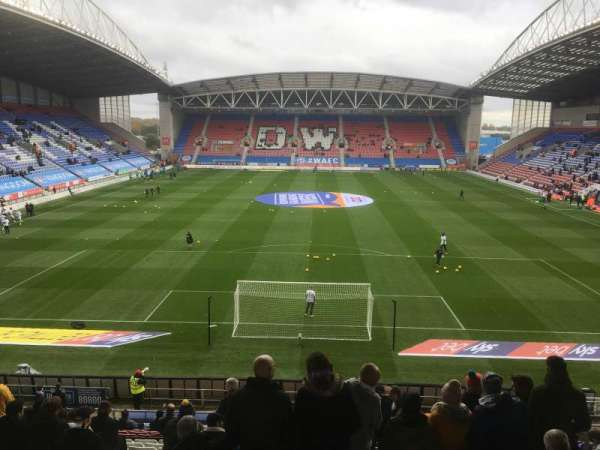DW Stadium , Abschnitt: N4, Reihe: AA, Platz: 89