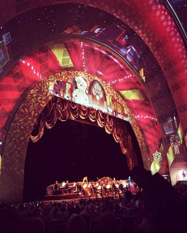 Radio City Music Hall, Abschnitt: Orchestra 7, Reihe: zz, Platz: 706
