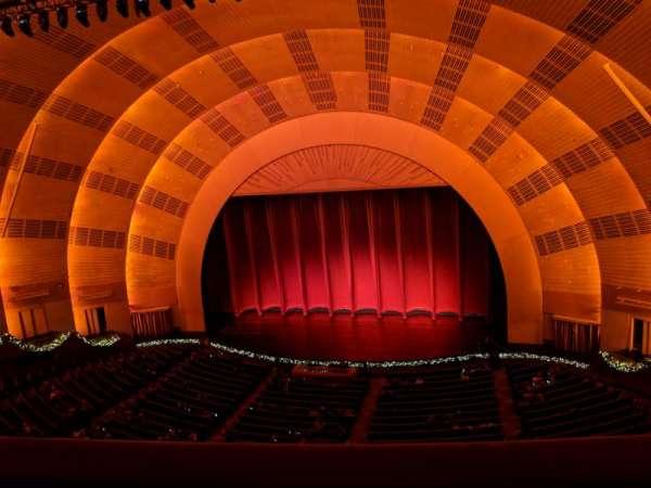Radio City Music Hall, Abschnitt: 2nd Mezzanine 3, Reihe: A, Platz: 301and302