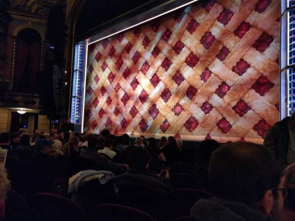 Brooks Atkinson Theatre, Abschnitt: Orchestra R, Reihe: G, Platz: 10