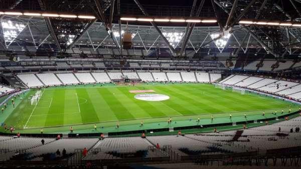 London stadium, Abschnitt: 233, Reihe: 65, Platz: 318