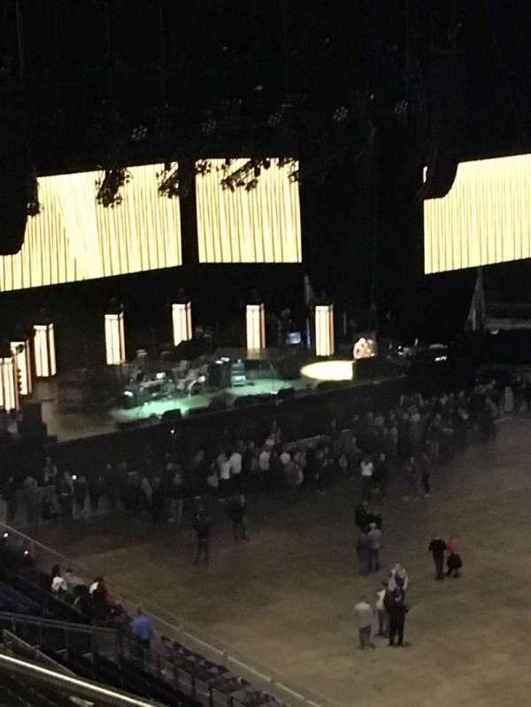The O2 Arena, Abschnitt: 406, Reihe: F, Platz: 596