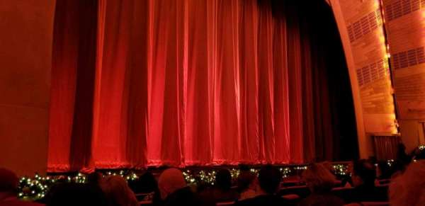 Radio City Music Hall, Abschnitt: Orch6, Reihe: HH, Platz: 608