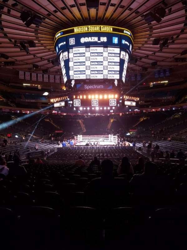 Madison Square Garden, Abschnitt: 102, Reihe: 6, Platz: 8