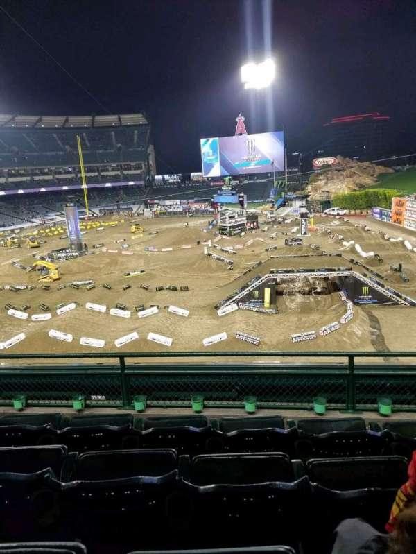 Angel Stadium, Abschnitt: 343, Reihe: D, Platz: 11