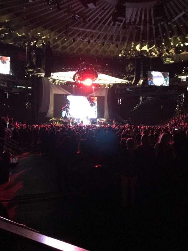 Oracle Arena, Abschnitt: 10, Reihe: A4, Platz: 9