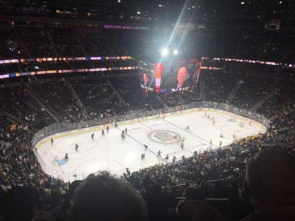 T-Mobile Arena, Abschnitt: 201, Reihe: R, Platz: 8