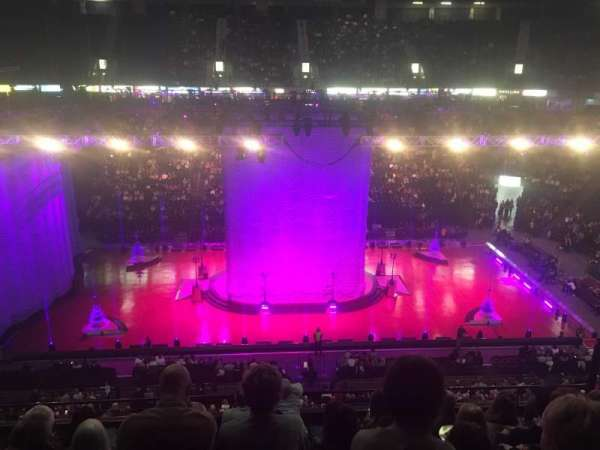 Manchester Arena, Abschnitt: 203, Reihe: H, Platz: 9