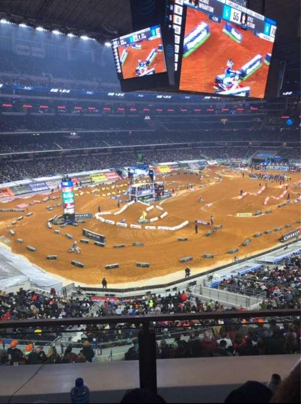 AT&T Stadium, Abschnitt: 318, Reihe: Row 2, Platz: 12