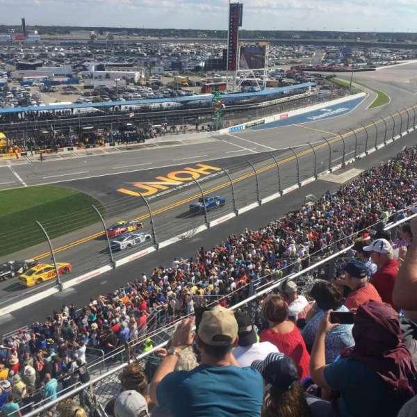 Daytona International Speedway, Abschnitt: 365, Reihe: 5, Platz: 20