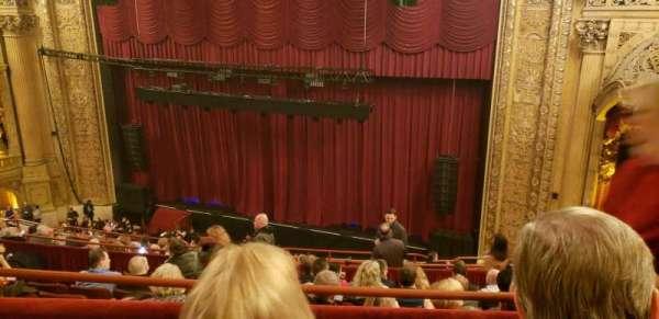 Chicago Theatre, Abschnitt: balcony 2R, Reihe: G, Platz: 112