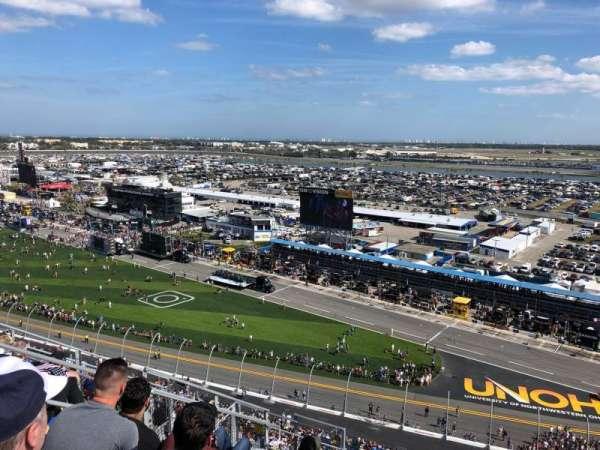 Daytona International Speedway, Abschnitt: 438, Reihe: 33, Platz: 10